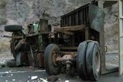 راننده تریلی در آتش سوخت  هفت نفر مصدوم شدند