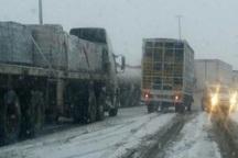 برف و باران در آذربایجان شرقی؛ تردد در جاده ها عادی است