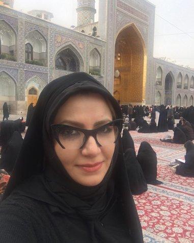 ملیکا زارعی با پوشش چادر در حرم امام رضا (ع)+ عکس