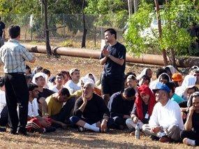 سرنوشت پناهندگان ایرانی در استرالیا