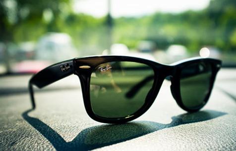 شیشه آبی رنگ عینک آفتابی مضر برای چشم؛ آینهای و زرد مناسب برای رانندگی