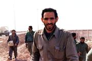 حاج احمد باعث شد که به سپاهی گری به عنوان یک شغل نگاه نکنم