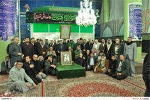 ادای احترام زائران عراقی به امام راحل