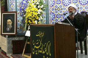 ادیب یزدی: در شخصیت بانو ثقفی جلوه امام دیده میشود