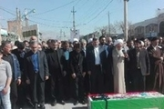 پیکر مرحوم احمد عزیزی شاعر انقلابی در کرمانشاه تشییع شد