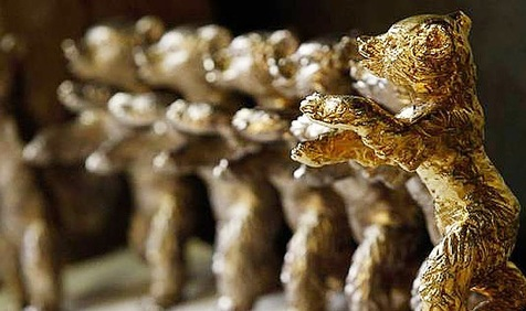 «تاکسی» پناهی، خرس طلا گرفت