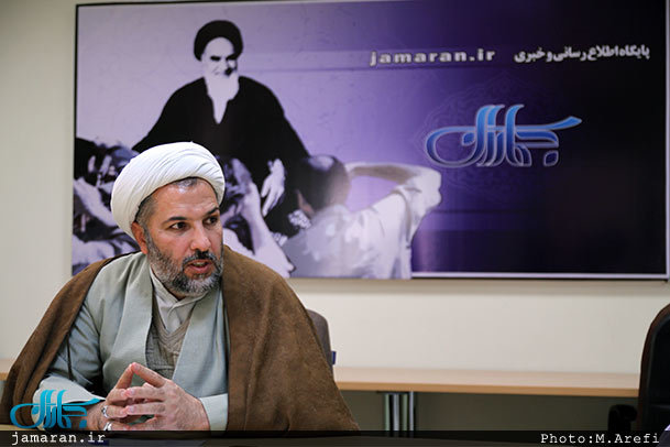 در موسوعه امام خمینی (س)،استفتائات در ده جلد منتشر شد