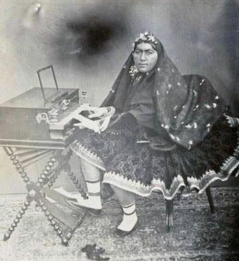پیانو ناصری!