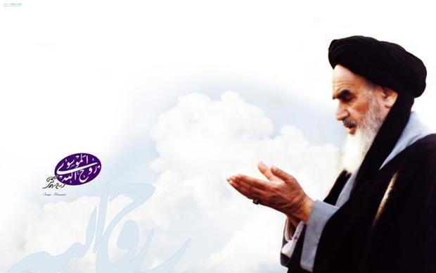 امام خمینی: با نفس پاک وارد ماه رمضان شوید