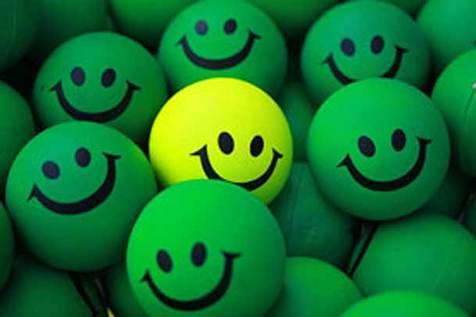 تهیه کننده «قند پهلو» با «مهارت لبخند» می آید