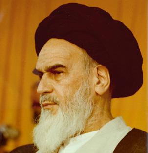امام خمینی:  اکنون ارتش در خدمت ملت و اسلام است