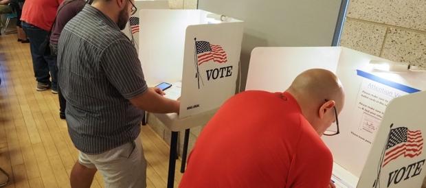 آغاز انتخابات میان دوره ای آمریکا در ایالت های شرقی