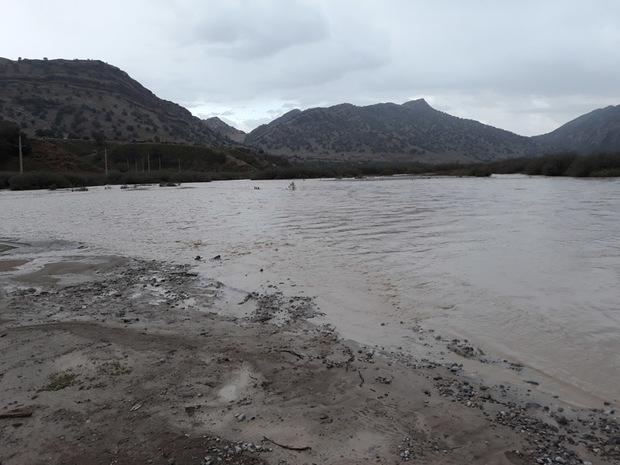 راه ارتباطی 11 روستای اندیکا مسدود شد
