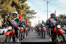 مراسم رژه نیروهای مسلح استان قزوین در روز ارتش برگزار شد