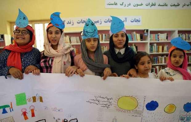 450 دانش آموز خویی روز ملی آب را جشن گرفتند