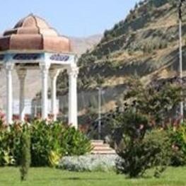 فرهنگ و آبادانی در مبادی ورودی شهر کرج به تصویر کشیده می شود