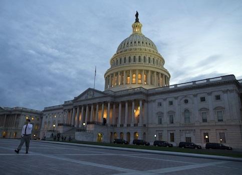 تداوم تلاش بی نتیجه کنگره برای ممانعت از لغو تحریم های ایران