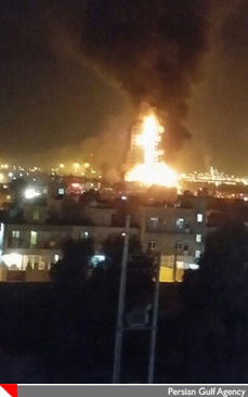 آتش سوزی 8 ساعته در ساختمان مرکزی عسلویه +عکس