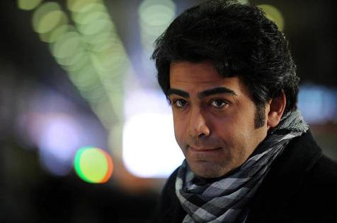 فرزاد حسنی: با اخلاق ها فریاد نمی زنند