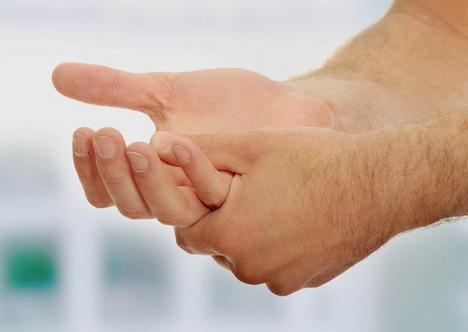 علت مور مور شدن کف دست