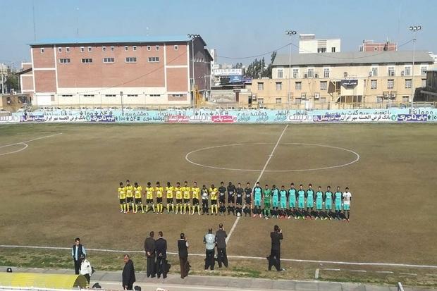 تیم فوتبال 90 ارومیه مقابل شهرداری ماهشهر شکست خورد