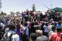 تصاویر/ ادامه تحصن مقابل مقر فرماندهی ارتش سودان