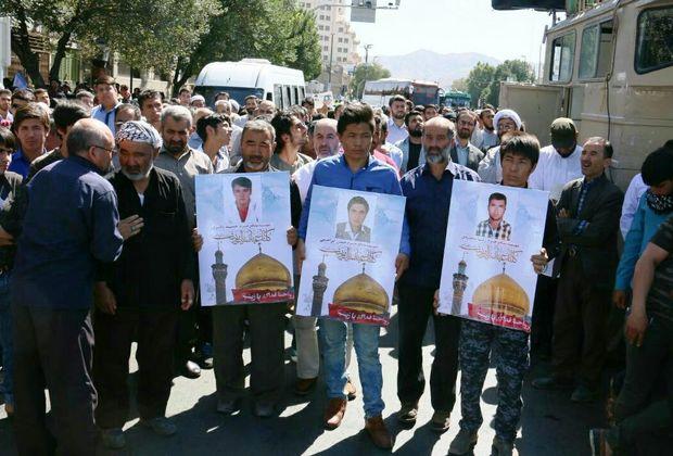 تشییع پیکر پاک سه شهید مدافع حرم در مشهد