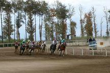 هفته چهارم مسابقات اسبدوانی کورس پاییزه گنبدکاووس برگزار شد