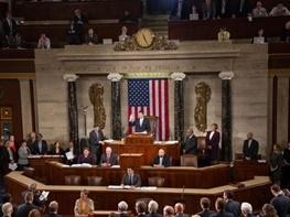 خرم: ترامپ هم می تواند بندهایی از تحریم ها را لغو کند و برجام را نگه دارد