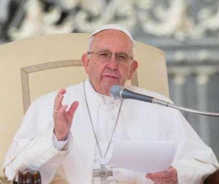پاپ فرانسیس پناهجویان را برکت خواند