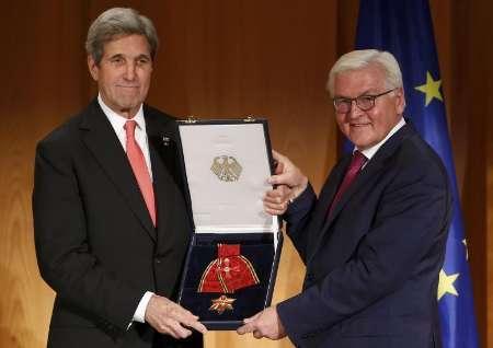 کری: موظفیم توافق هسته ای با ایران را زنده نگه داریم/ اوباما با ترامپ تماس دارد