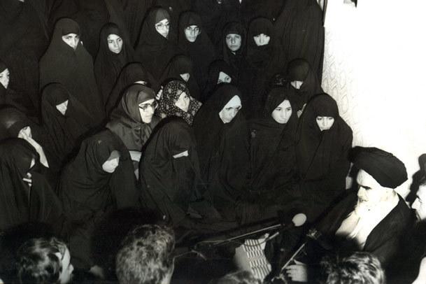 روایتی از نفی نظر تندروها و تاکید امام بر حضور زنان در مجلس