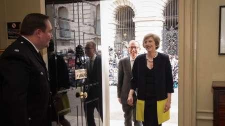 می در حال چینش کابینه/ برای اولین بار یک زن وزیر دادگستری انگلیس شد