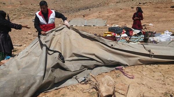 هلال احمر کهگیلویه و بویراحمد  به 11 خانوار گرفتار در سیل کمک کرد