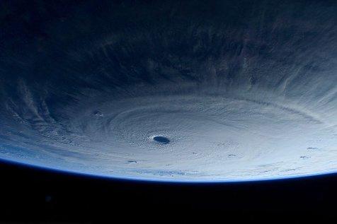 آرامش یک طوفان از دریچه ایستگاه فضایی بین المللی