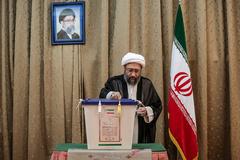 رییس قوه قضاییه رای خود را به صندوق انداخت