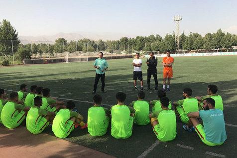تصاویری از دومین روز تمرین تیم فوتبال نفت زیر نظر علی کریمی