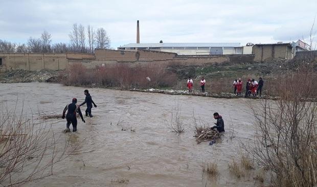 جسد دختر ملایری در رودخانه «حرم آباد» پیدا شد