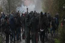 تظاهرات در فرانسه به خشونت کشیده شد+ تصاویر
