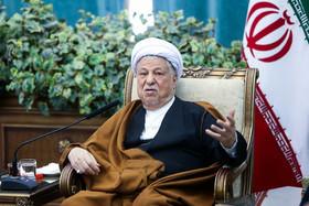هاشمی رفسنجانی:  هر کسی که با دانشگاه آزاد اسلامی مخالفت کرد،  شکست خورد