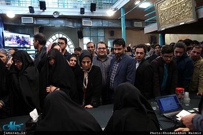 مشارکت گسترده مردمی باعث تمدید زمان انتخابات در ایران شد