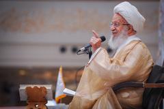 آیت الله مکارم :سه کلاهی که آمریکا بر سر عربستان گذاشت