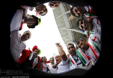 حدود 30 هزار نفر در ورزشگاه فونته نوا/ تشویق یکپارچه ایران
