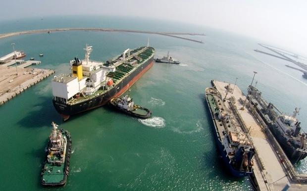 بیش از پنج میلیون تن فرآورده نفتی از بندر شهیدرجایی صادر شد