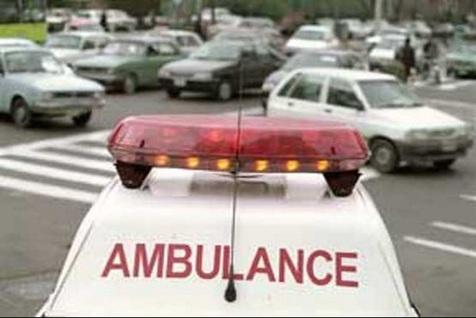 تصادف شدید تاکسی با مینیبوس در اتوبان حکیم
