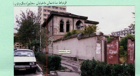 کدام بنای تاریخی پس از تخریب، عین به عین ساخته شد؟