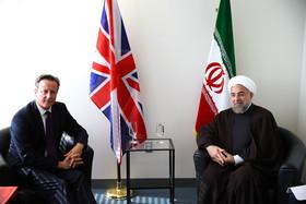 دفاع مجدد زیباکلام از دیدار کامرون و روحانی/ احمدی نژاد باید استیضاح می شد