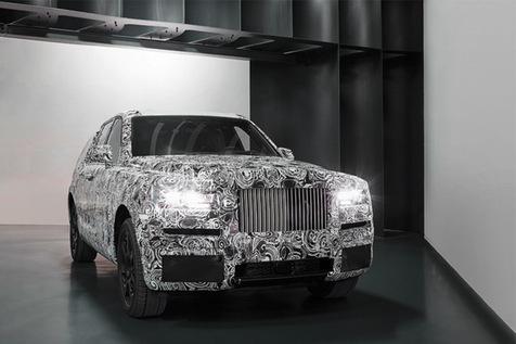 رولز رویس از نمونه خودروی شاسی بلند کالینن رونمایی کرد