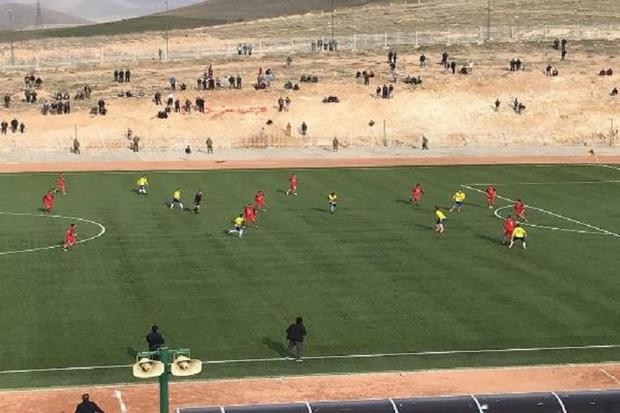 کشاورز بوکان صدرنشین لیگ برتر فوتبال آذربایجان غربی ماند