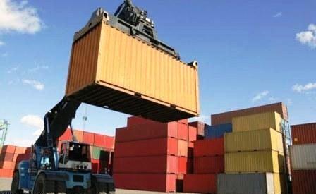 کاهش واردات در ۱۱ ماهه سال ۹۴